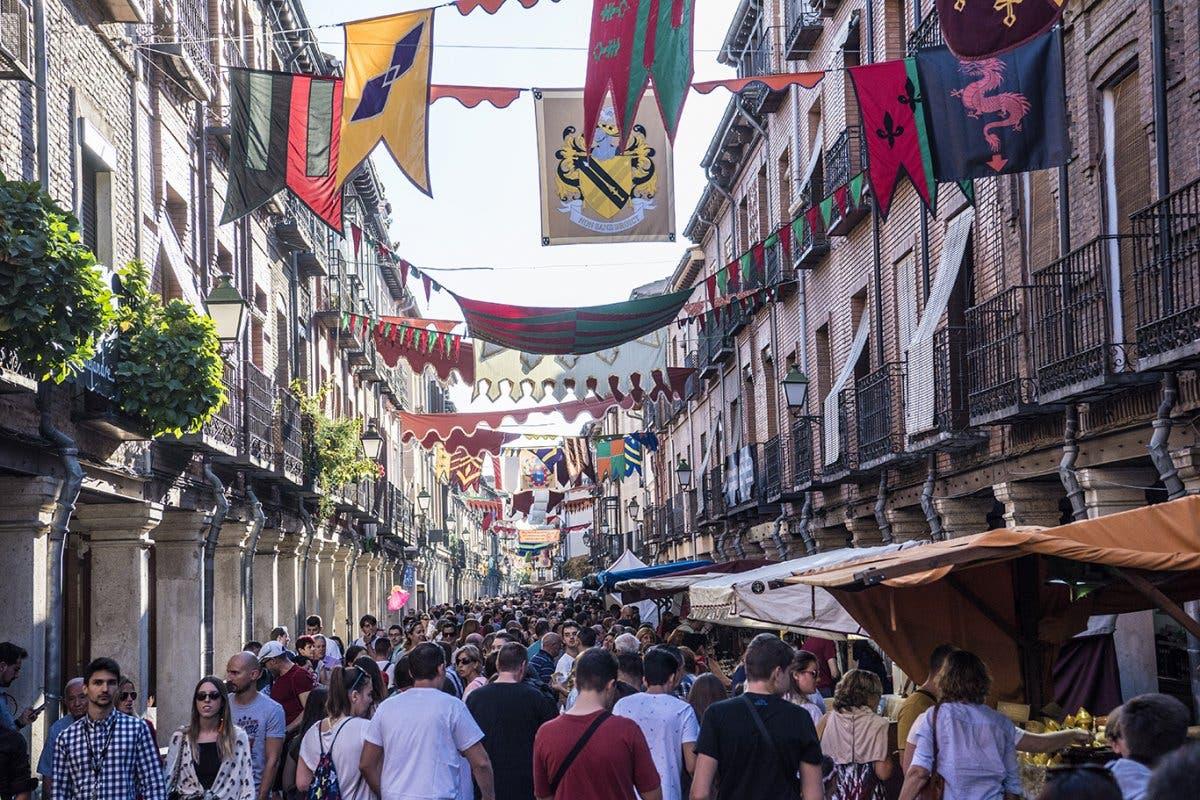 Mercado Cervantino de Alcalá de Henares: cortes de tráfico, alternativas y aparcamiento