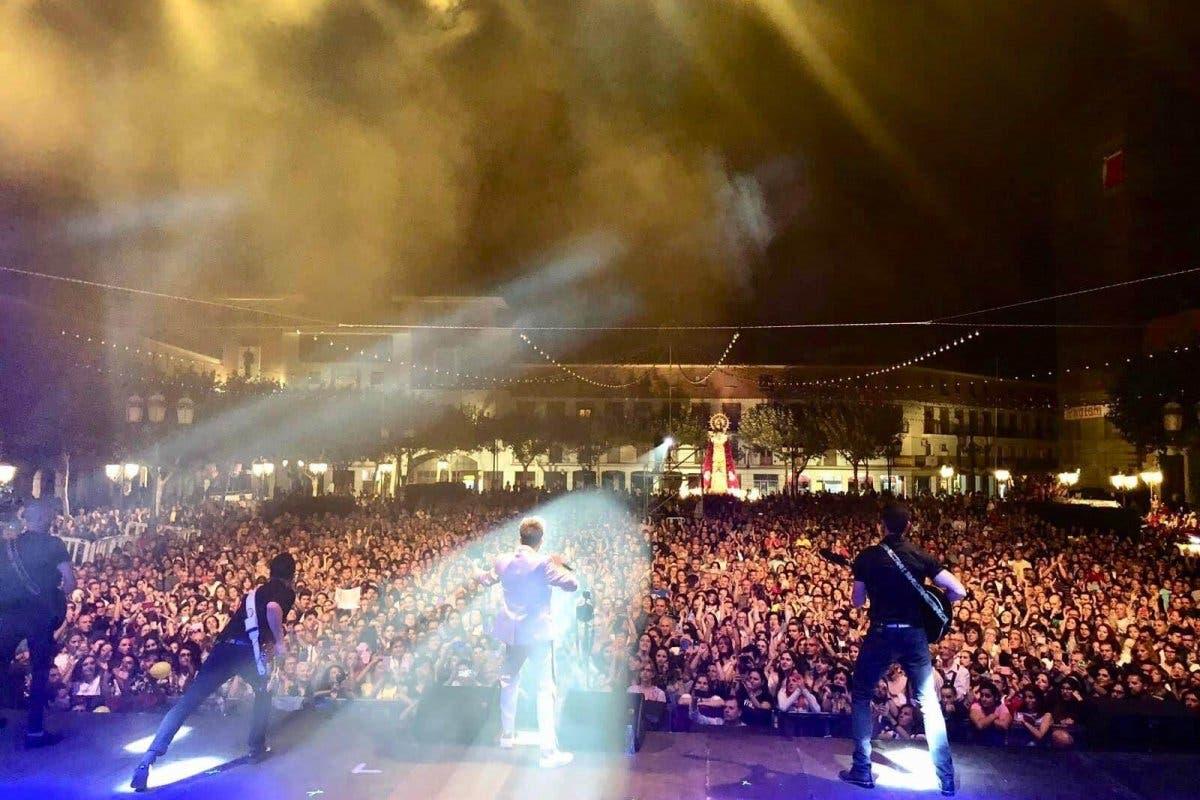 Blas Cantó dio en Torrejón su primer concierto tras ser elegido representante de España en Eurovisión