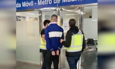 Atrapan a un grafitero que acuchilló a un vigilante de Metro