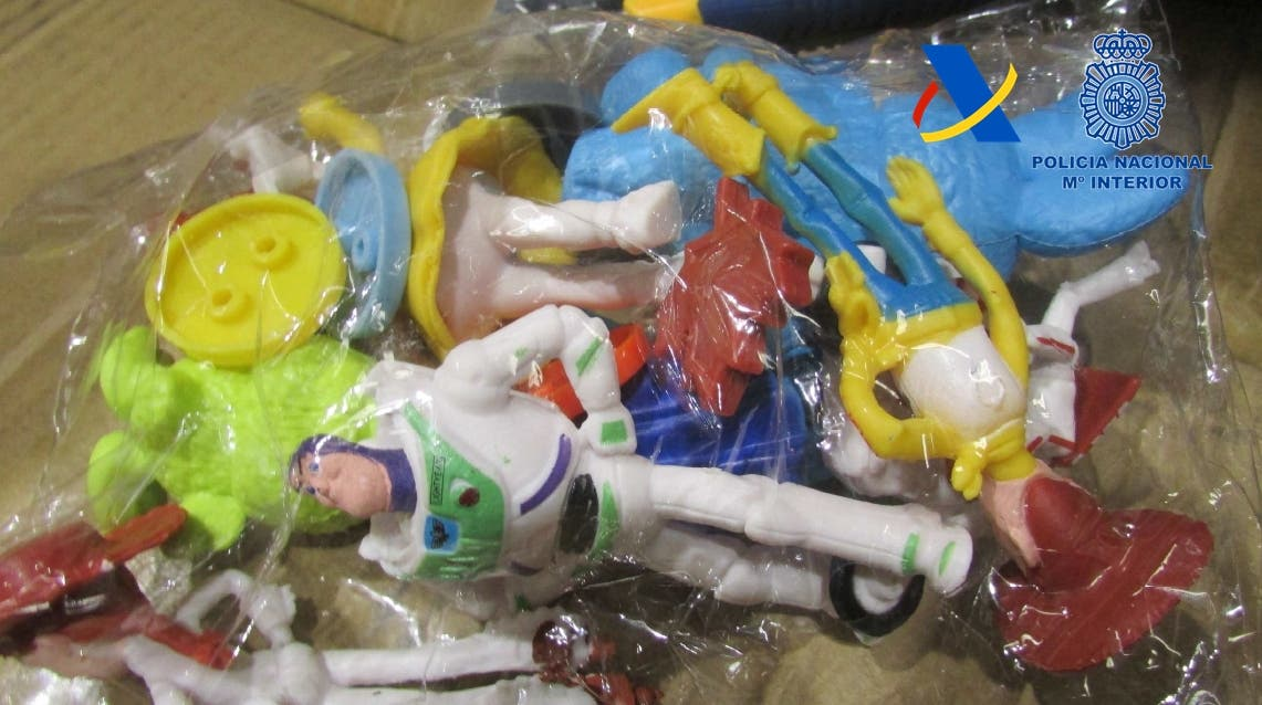 Intervenidos 65.000 juguetes falsificados en una nave industrial de Fuenlabrada
