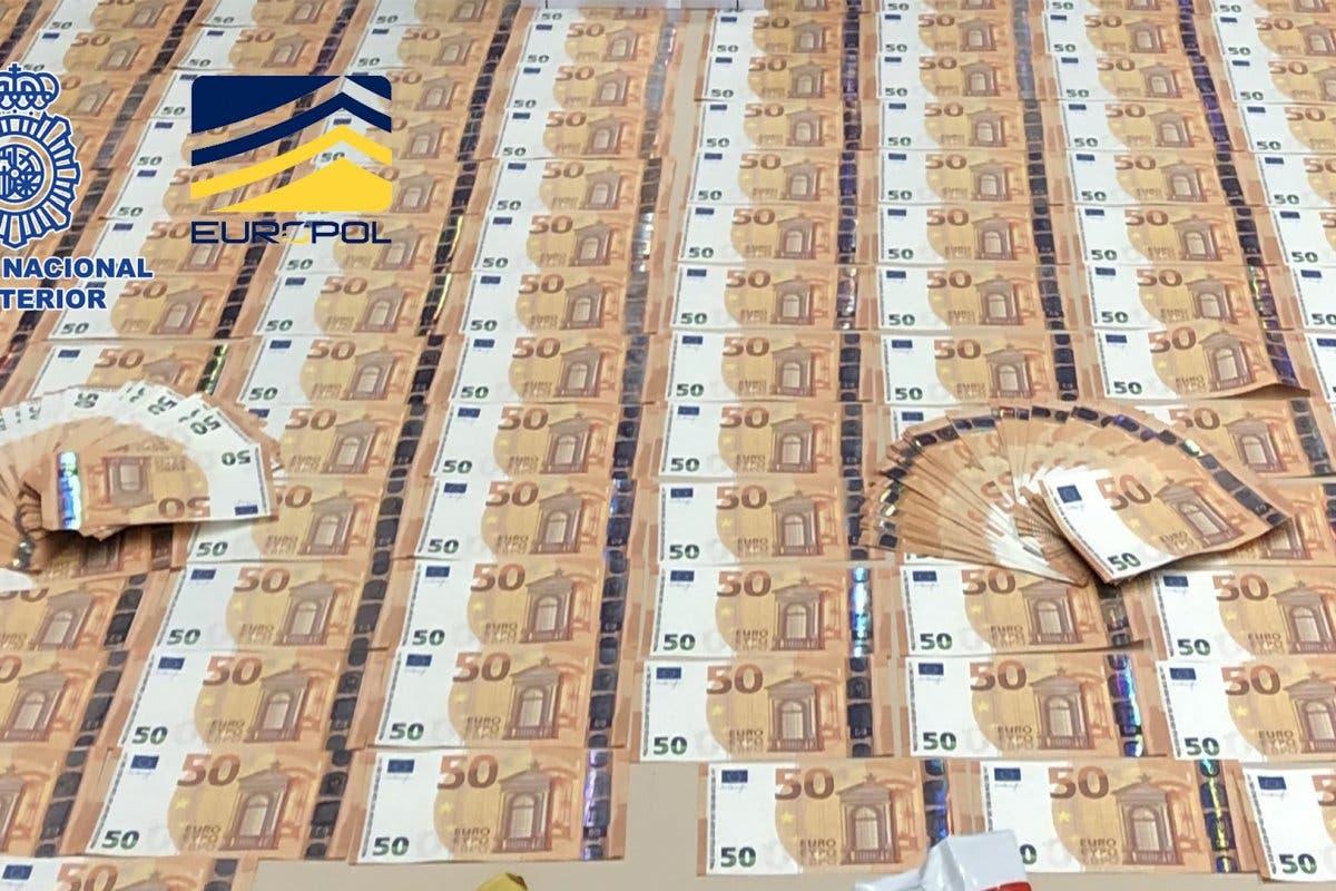 Desmantelada en Madrid una organización que distribuía billetes falsos de 50 euros por toda España