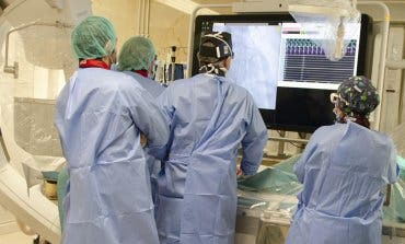 Médicos madrileños realizanel primer doble implante valvular con catéter en España