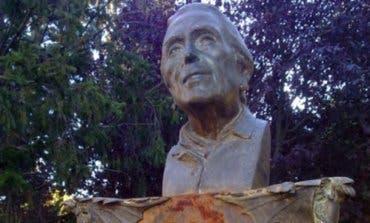 Derriban la estatua de La Pasionaria en Rivas Vaciamadrid