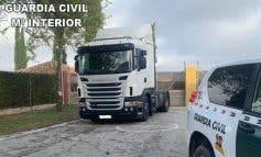 Detenido en la A-2 un fugitivo sin carnet tras robar un camión