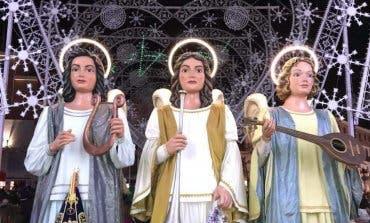 Pasacalles de los Ángeles Navideños Gigantes en las Mágicas Navidades de Torrejón