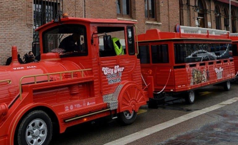 El tren turístico de Alcalá de Henares estrena recorrido