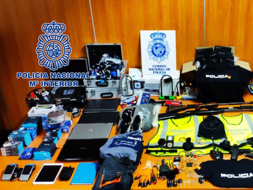 Detenida en Madrid una banda que se hacía pasar por policías para asaltar comercios