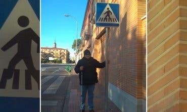 Los obstáculos que sufre un invidente en Alcalá de Henares