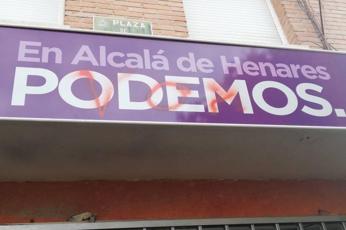Atacan la sede de Podemos en Alcalá de Henares