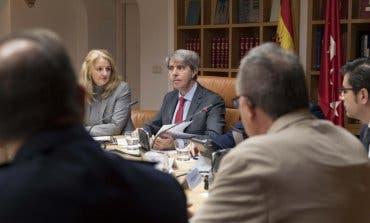 Garrido acusa de «grosería» a los alcaldes de Coslada y San Fernando de Henares
