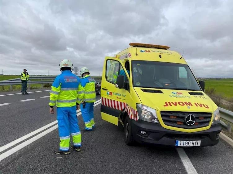 Herido grave un ciclista tras ser atropellado por un camión en laM-410