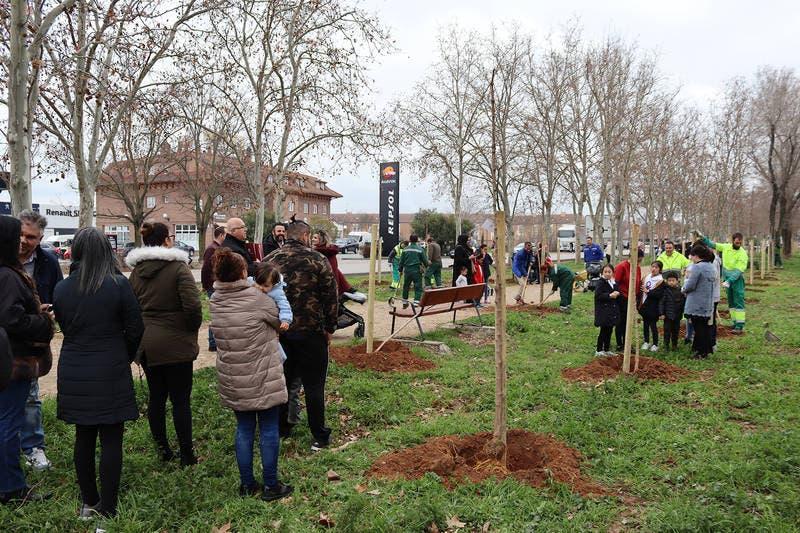 Azuqueca planta 100 árboles, uno por cada bebé nacido en 2019