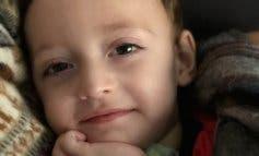 Unos padres de Torrejón de Ardoz piden ayuda para su hijo con parálisis cerebral