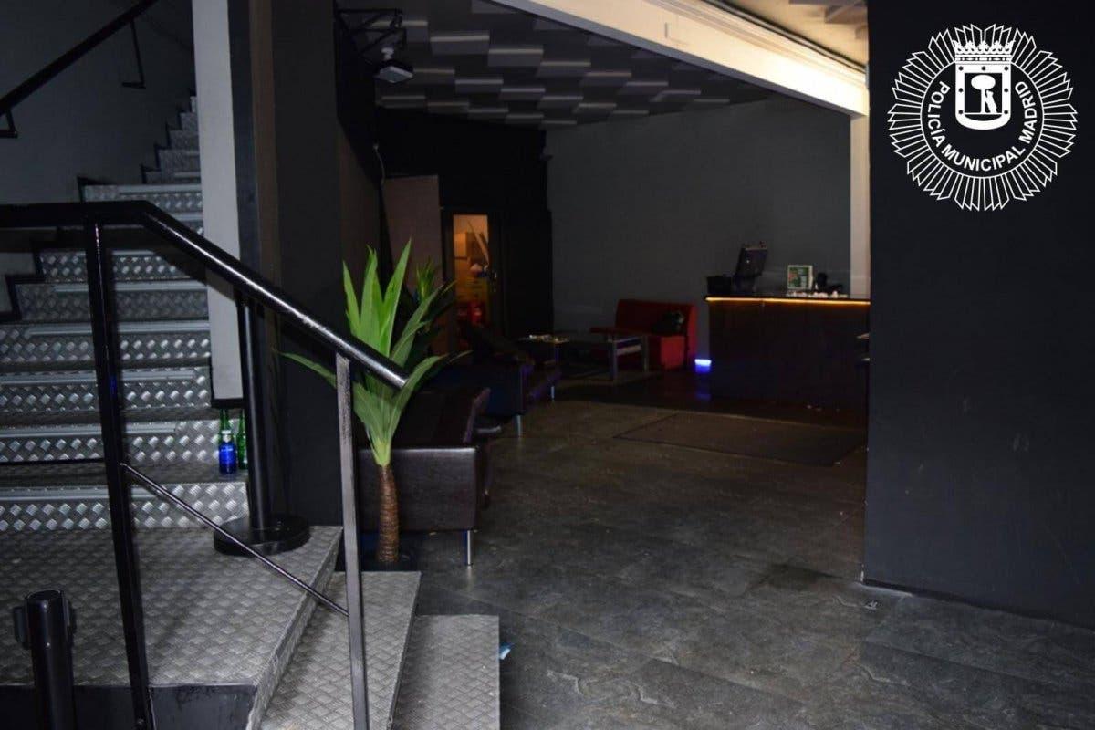 Atrapados en una discoteca ilegal en Vallecas: «¡Por favor, sáquennos de aquí!»
