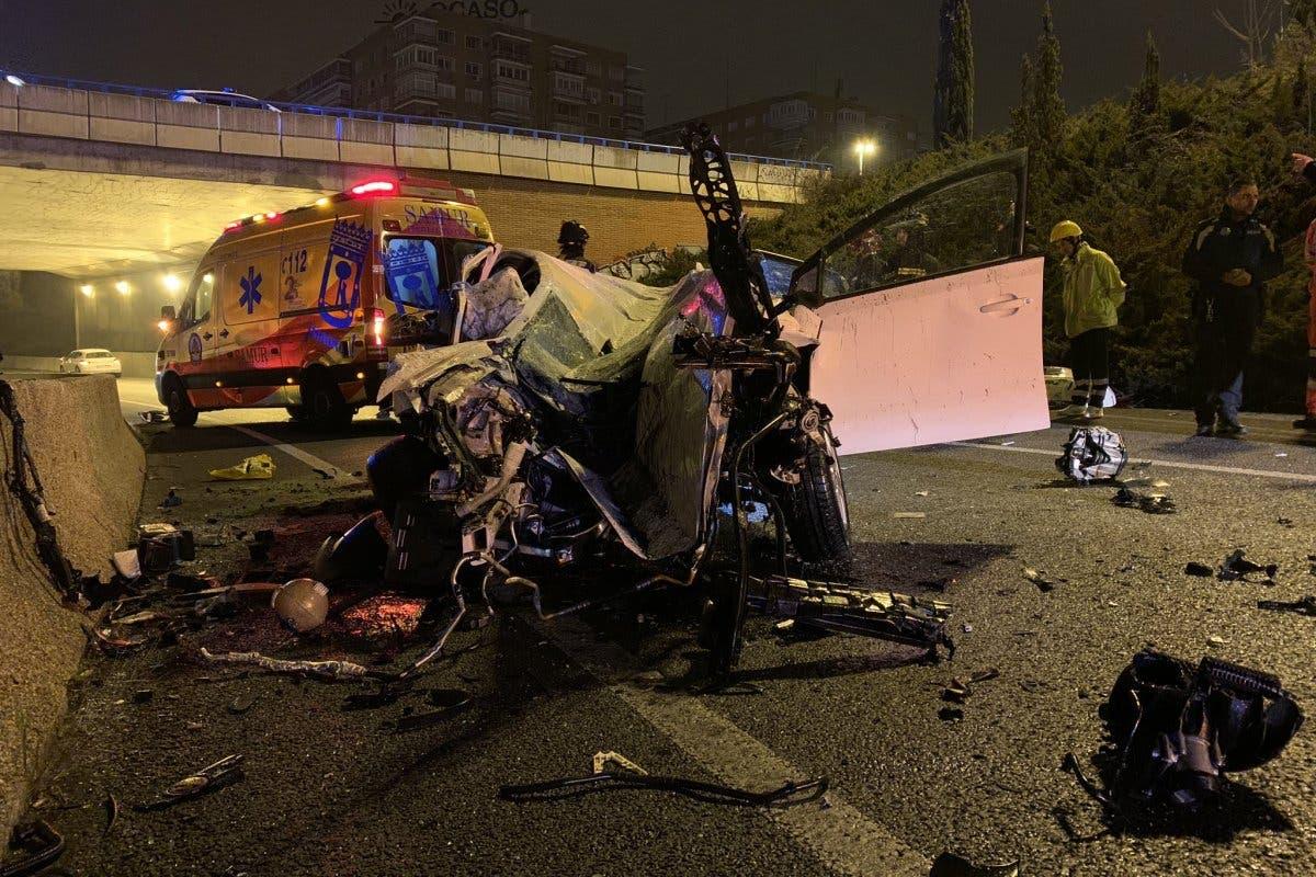 Muere una mujer en la A-2 tras caer su coche por un talud de ocho metros