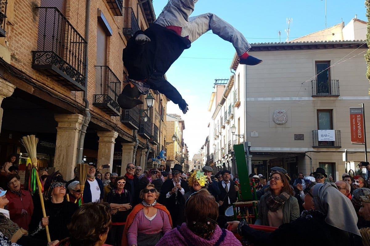 El Manteo del Pelele regresa a los Carnavales de Alcalá de Henares