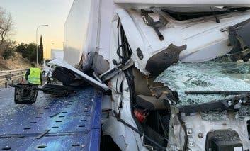 Dos heridos, uno grave, en un aparatoso accidente en la M-40
