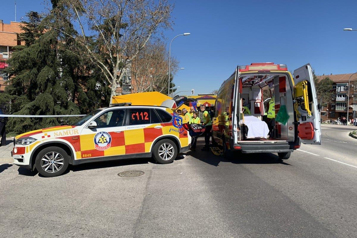 En estado crítico un motorista de 39 años tras sufrir un accidente en Usera