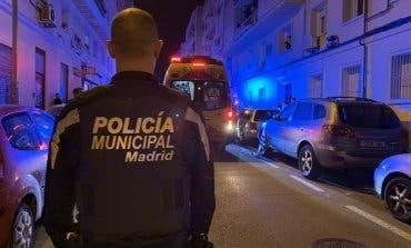 Disparan a una mujer en la cabeza en plena calle de Ciudad Lineal