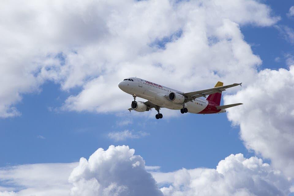Suspendidos los vuelos en Barajas ante la presencia de drones