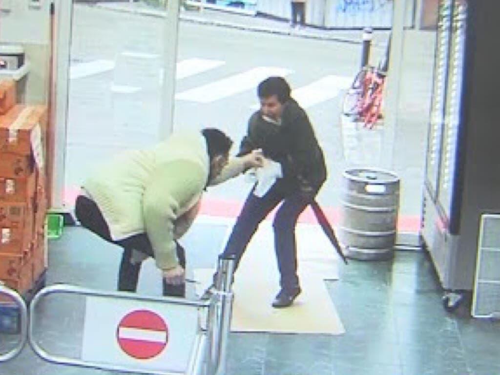 Detenido un atracador al que una anciana se enfrentó a paraguazos en Vallecas