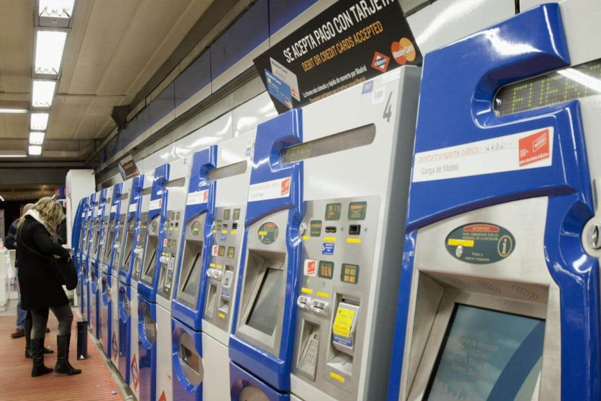 Metro de Madrid instala máquinas de venta rápida para agilizar la venta de billetes