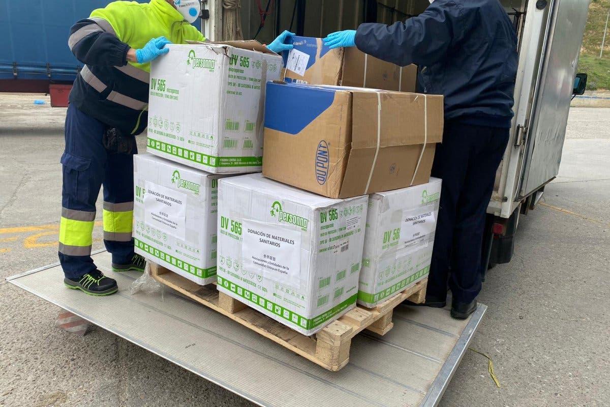 La comunidad china dona material sanitario al Hospital de Alcalá de Henares