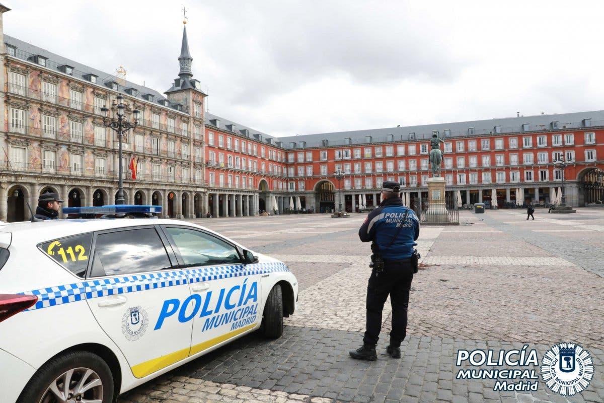 Cinco detenidos y 451 multas por no cumplir el estado de alarma en Madrid