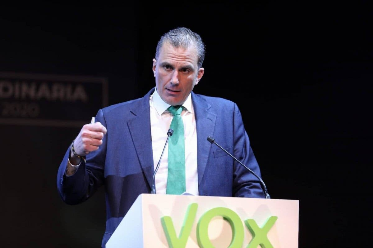 Vox comunica que Ortega Smith tiene coronavirus y pide perdón por Vistalegre