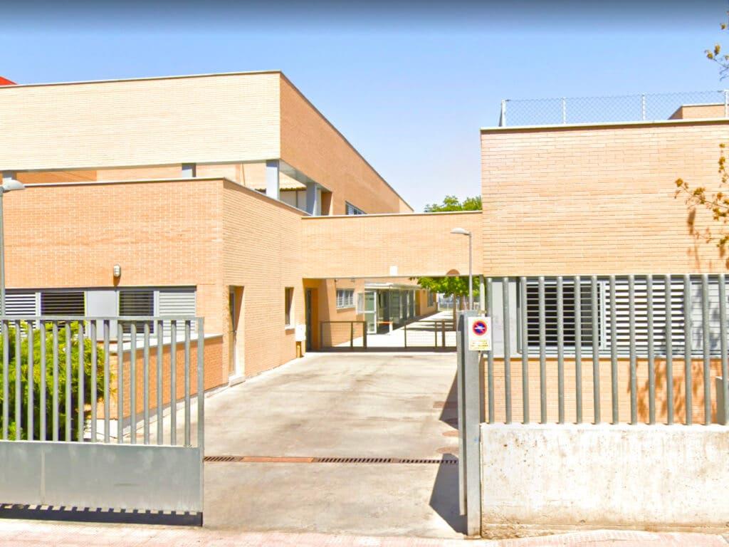Una familia de Alcalá de Henares aislada tras dar positivo en coronavirus los padres