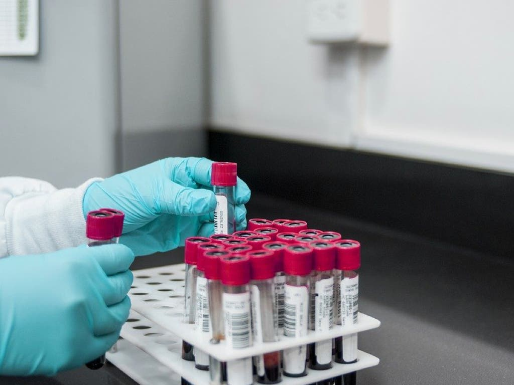 Aumentan a 141 los contagios diarios por coronavirus en España