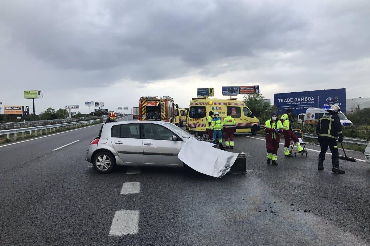 Un guardia civil y un operario de carreteras, arrollados por un coche en la M-503