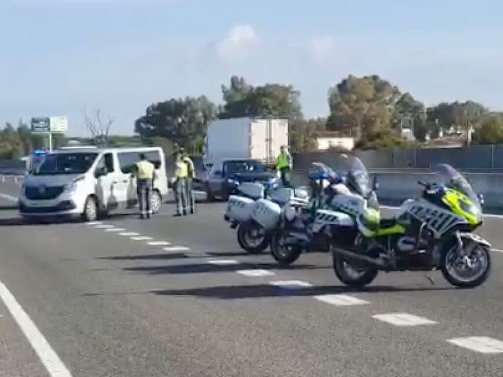 Aumentan los controles en las salidas de Madrid para evitar desplazamientos de fin de semana