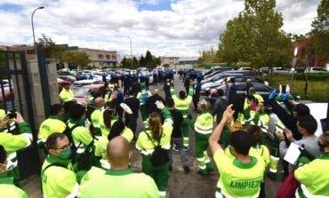 Torrejón de Ardoz rinde homenaje a los trabajadores de limpieza y recogida de basuras