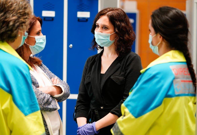 Ayuso renovará hasta diciembre a los 10.000 sanitarios contratados por el coronavirus