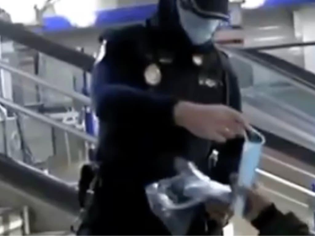 Sindicatos policiales estallan: «Sin EPIS y repartiendo los flyers del Gobierno»