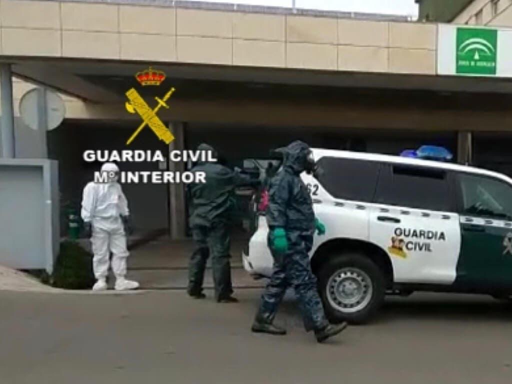 Un paciente con coronavirus se fuga de La Paz y es localizado en Nerja