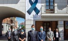 Torrejón de Ardoz coloca un crespón negro por las víctimas del coronavirus