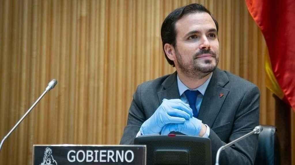El turismo pide la dimisión de Garzón por sus palabras de «desprecio» al sector