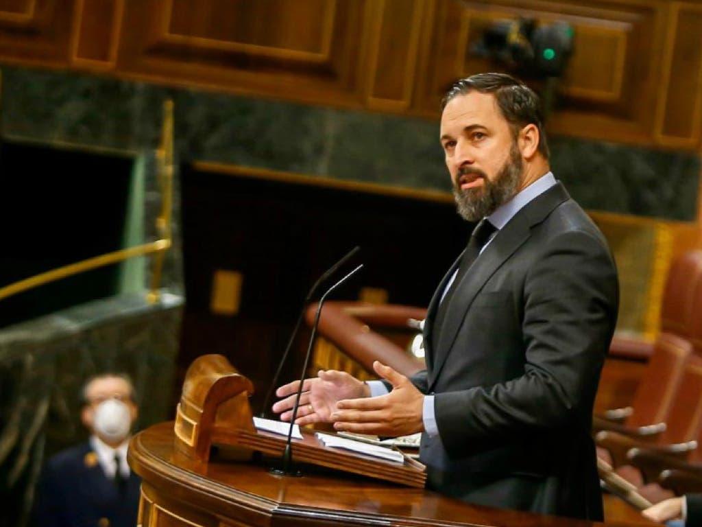 Abascal desafía a Iglesias y culpa al Gobierno de provocar miles de muertos