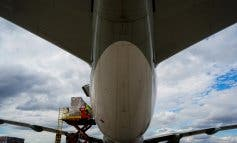 Aterriza el decimosexto avión de Ayuso con material sanitario, el cuarto en 48 horas