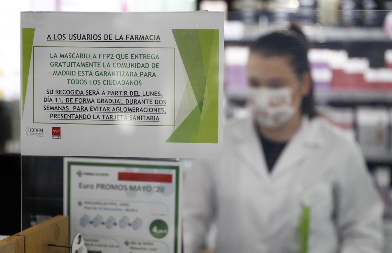 Las farmacias comienzan a repartir las mascarillas de la Comunidad de Madrid