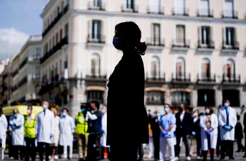 Ayuso, disparada en las encuestas tras el estado de alarma en Madrid