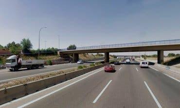 La pasarela peatonal a Parque Corredor sobre la A2 cierra en este horario hasta finales de julio
