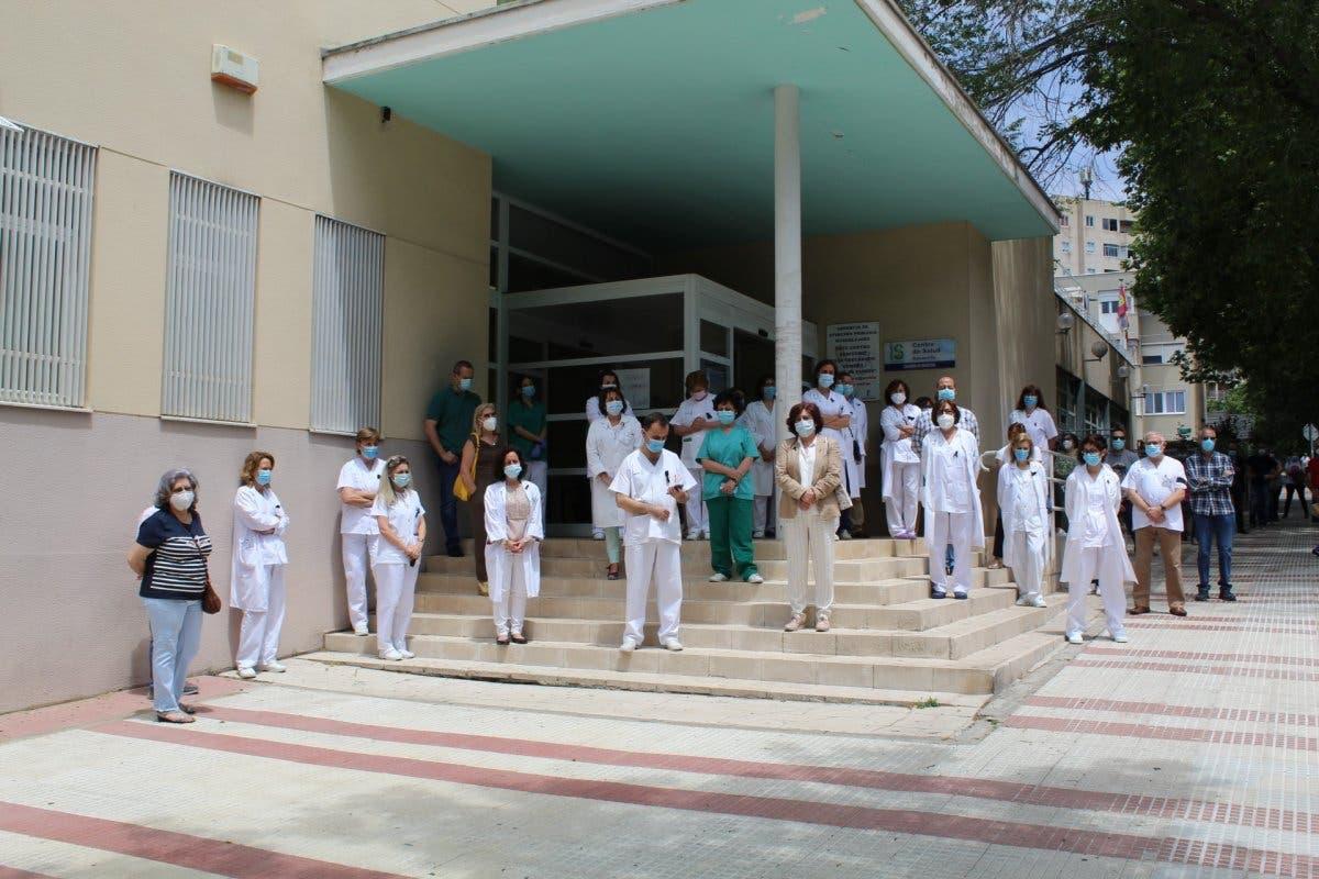 Minuto de silencio por el pediatra fallecido por Covid en Guadalajara