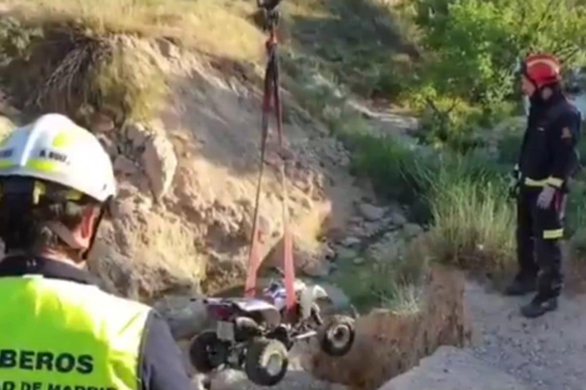 Un quad cae por un terraplén a una balsa de agua en Fuentidueña de Tajo