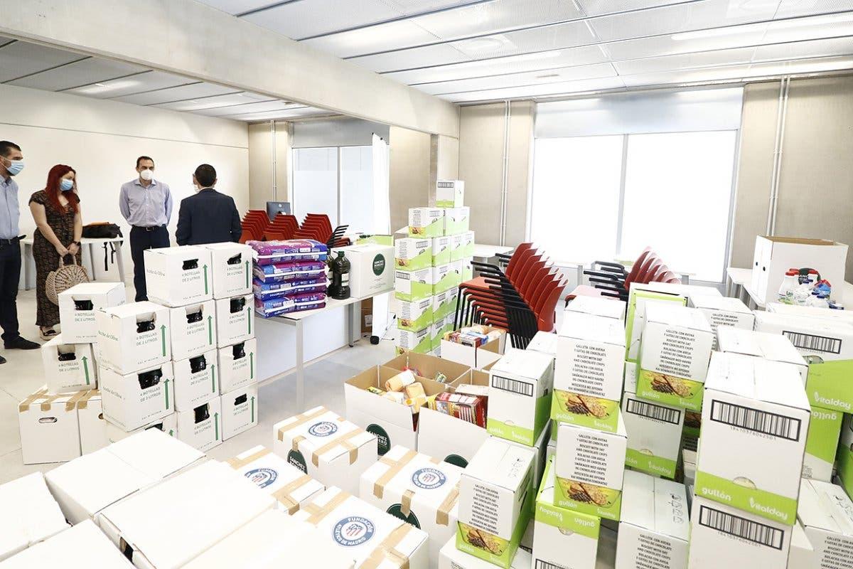 El Atlético de Madrid dona alimentos a Alcalá de Henares