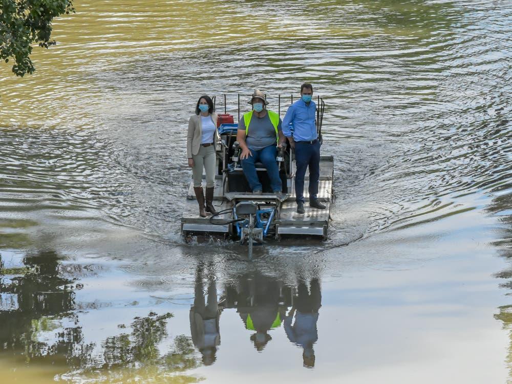Torrejón de Ardoz vuelve a poner en marcha el barco anfibio contra los mosquitos
