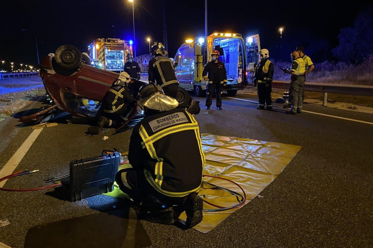 Herido grave un conductor tras volcar su coche en la A42