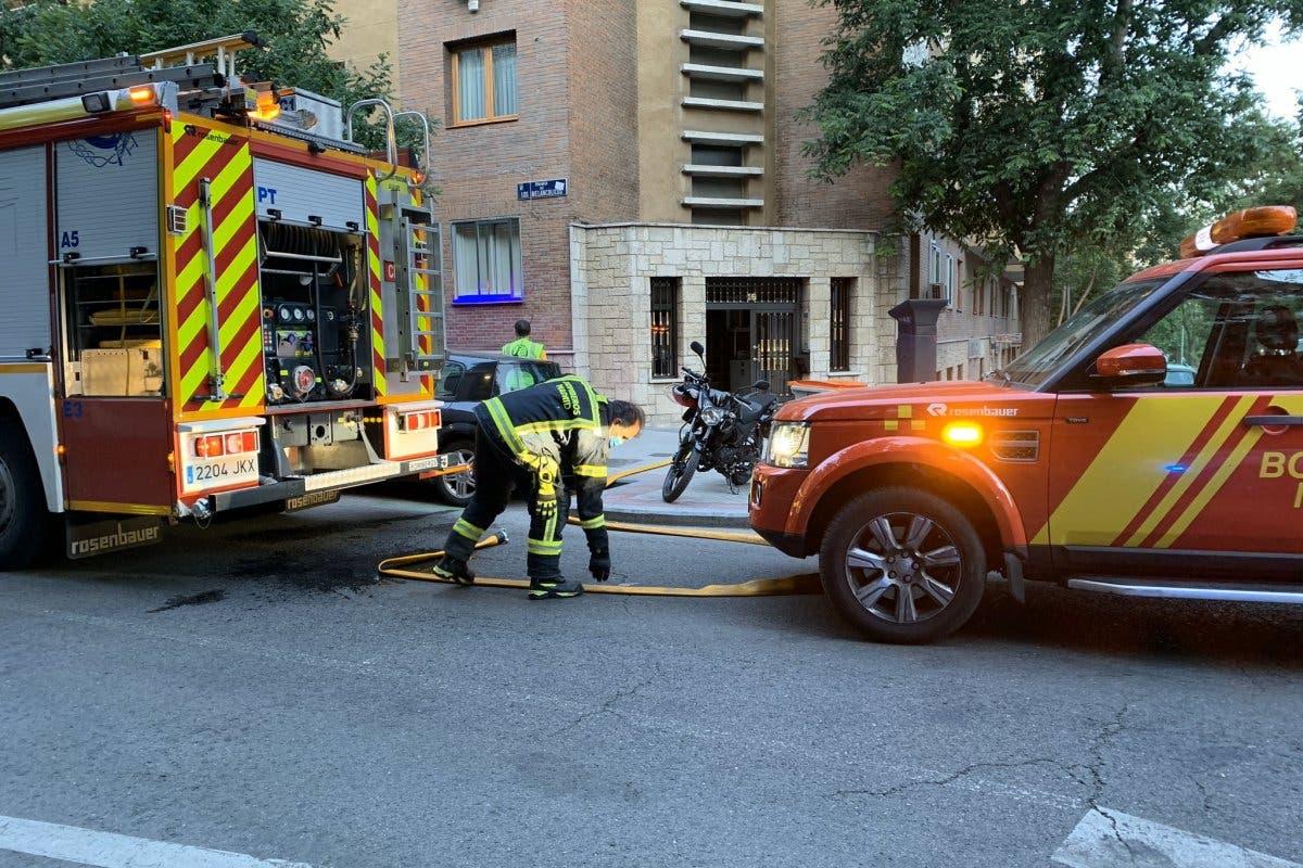 Muere un hombre en el incendio de su vivienda en Madrid